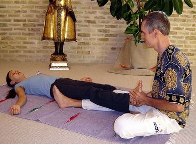 thai massage foot manipulation