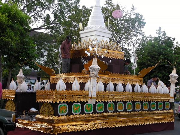 Float in the Loi Krathong Festival