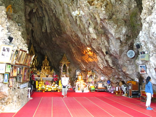 Chiang Dao cave temple