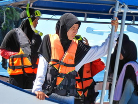 Muslim women on tour boat