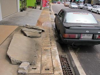 thai sidewalk1-350