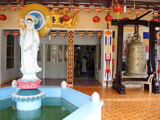 temple in Muine, Vietnam2